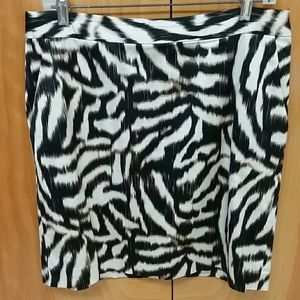 ANN TAYLOR 10 Animal print skirt